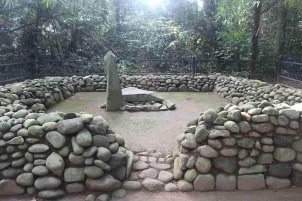 Situs Karang Kamulyan