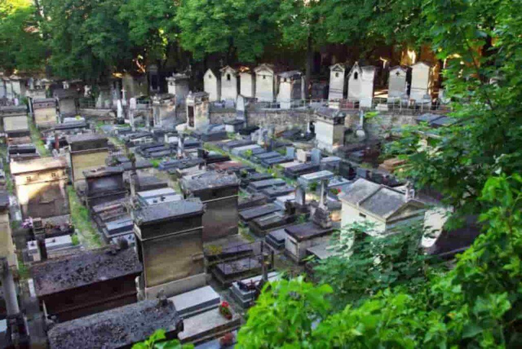 Dilarang meninggal tanpa memiliki kuburan