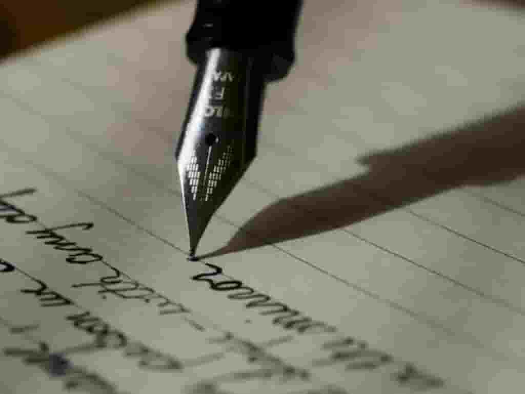 Cara menulis esai yang baik